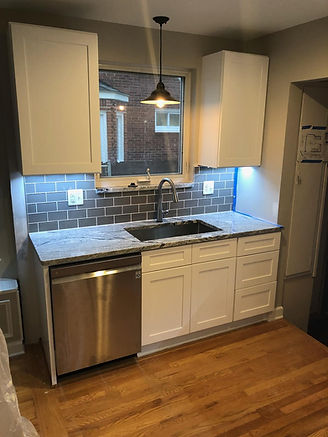 Shaker White kitchen cabinets