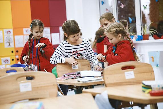 Meisjes in Classrom