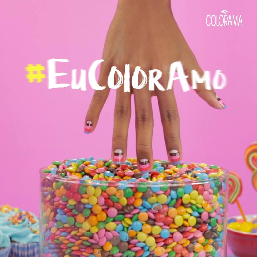 #EuColorAmo: Nail Art Doce! 🍭🍭🍭 Quem não ama inovar com aquela nail art incrível? Nós temos passo a passo para você! Vem conferir, você vai amar essa novidade linda e colorida! 💜💚💙💛  Quer mais detalhes sobre essa nail? Aprenda em: >> http://bit.ly/Eu
