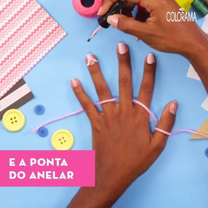 #EuColorAmo: Nail Art Retrô! Que tal inovar com uma nail art maravilhosa essa semana? Fizemos um passo a passo super fácil para vocês, vem aprender com a gente! ❤💙💚💜💛