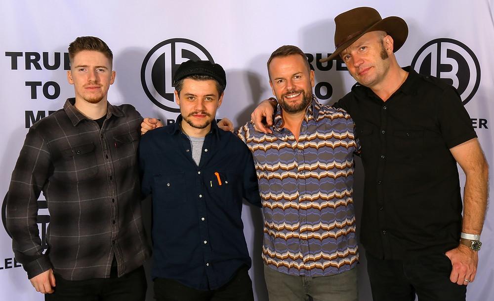 Fred Lovett (Schlagzeuger), Harry Caiger (Gitarre), Lee Baxter und Will Hall (Gitarre und Keyboard) • © Michael Otto