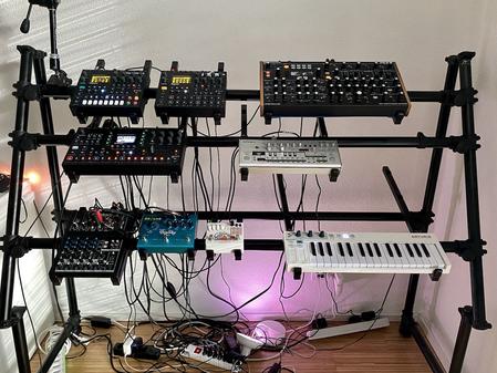 How I organize my Elektron Setup - Jaspers Alu Keyboard Stand
