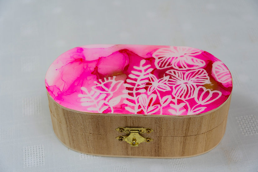 Oval Box with Pink Decoration