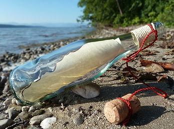 message-in-a-bottle-413680_1920.jpg