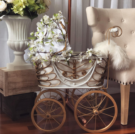 Prop - Antique Baby Carriage