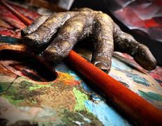 Palette et sculpture de l'artiste