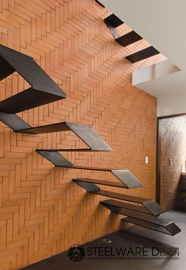 Treppenstufen Baumkante Massivholz Steel