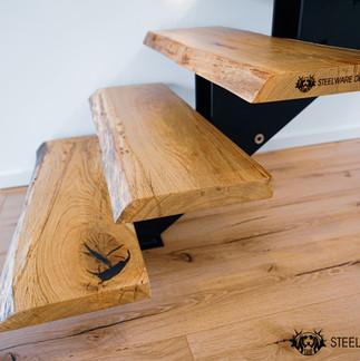 Treppenstufen Baumkante Steelware Design