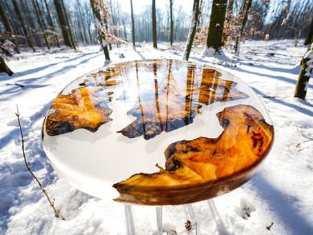 Epoxidharz Inseltisch aus Robinien Wurzel