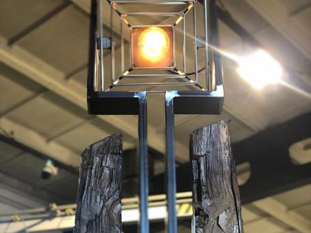Stehlampe aus alten Holzfachwerk