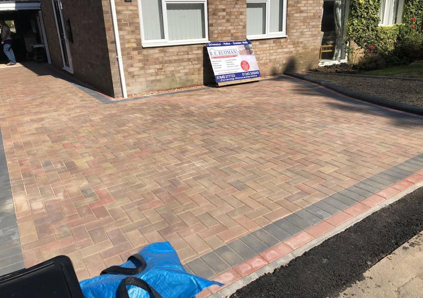 block paved drivway