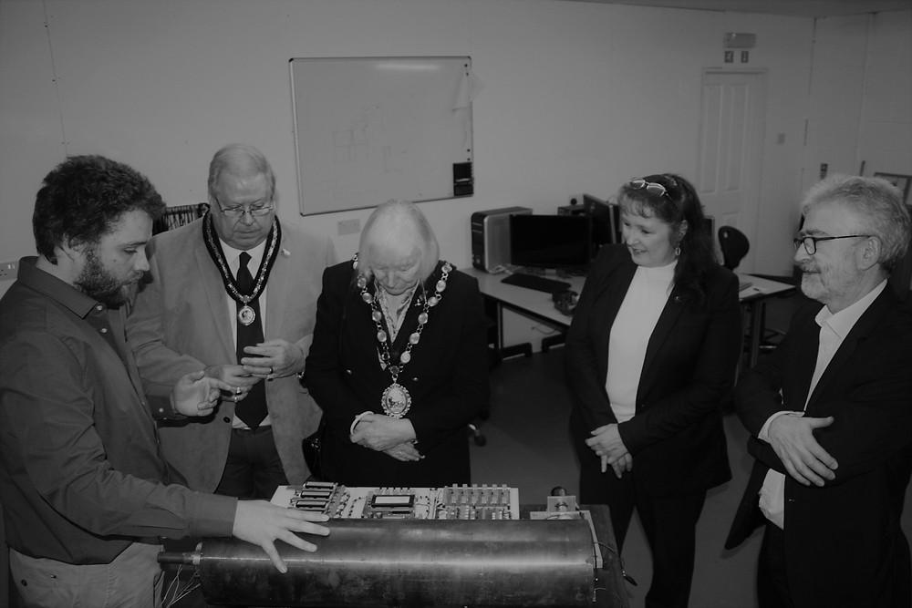 Bridgend Mayor takes interest in an energy havester