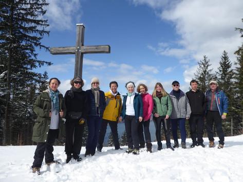 Auf den Riederstein: Fast den ganzen Tag Sonne, glitzernder Schnee und eine sehr nette Gruppe