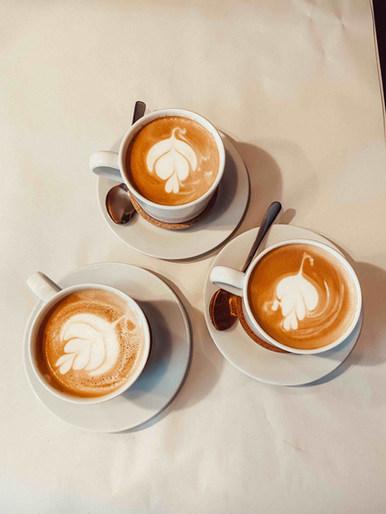 Feinen Barista Kaffee genießen