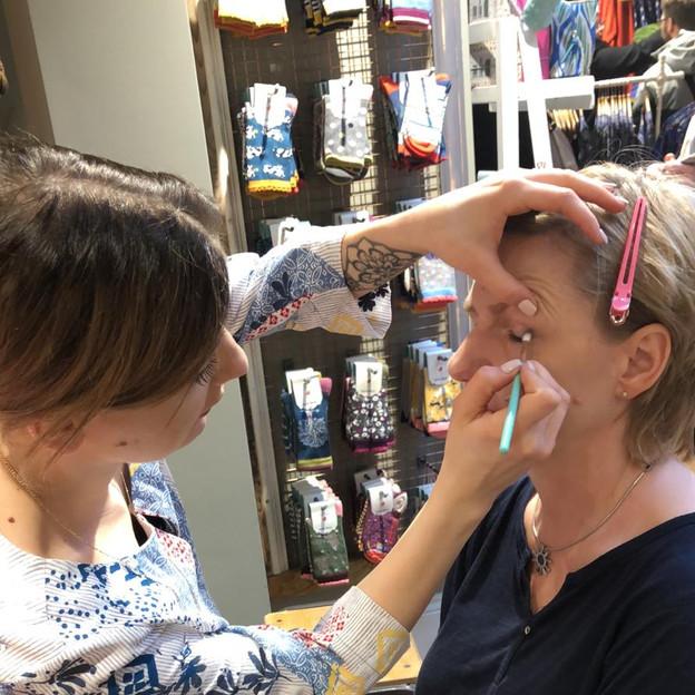 Makeup für Kundenevent buchen