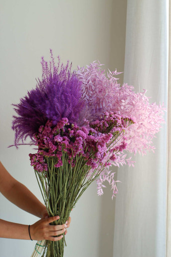 Lila Violett Trockenblumen für B2B