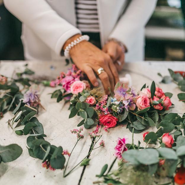 Blumenkränze binden