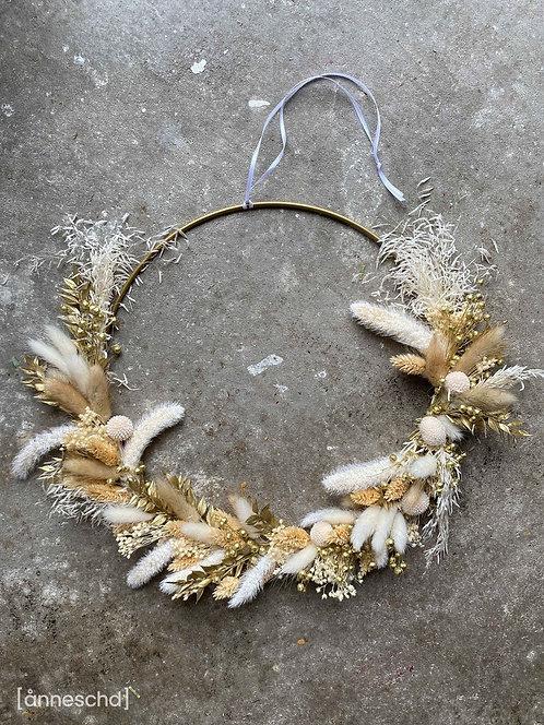 DIY Kranz + Metallring + Anleitung | Weihnachten Gold Trockenblumen
