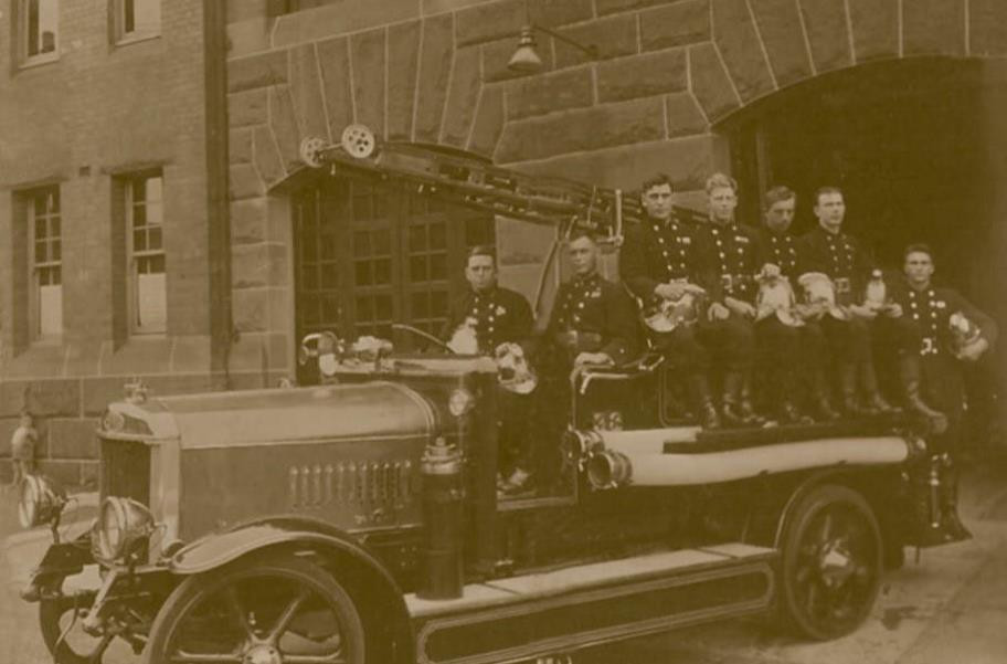 Pyrmont Fire Brigade outside the station, c. 1928