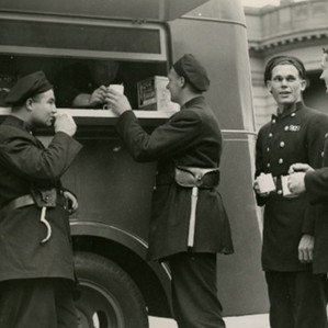 Sustaining the Firies – The Mobile 'Canteen' (1942 Ford 21W)