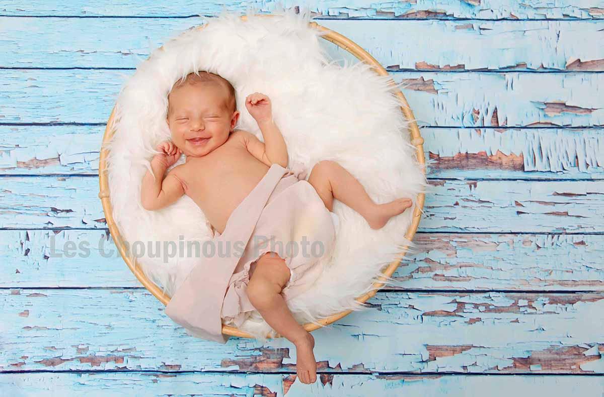 bébé heureux photo