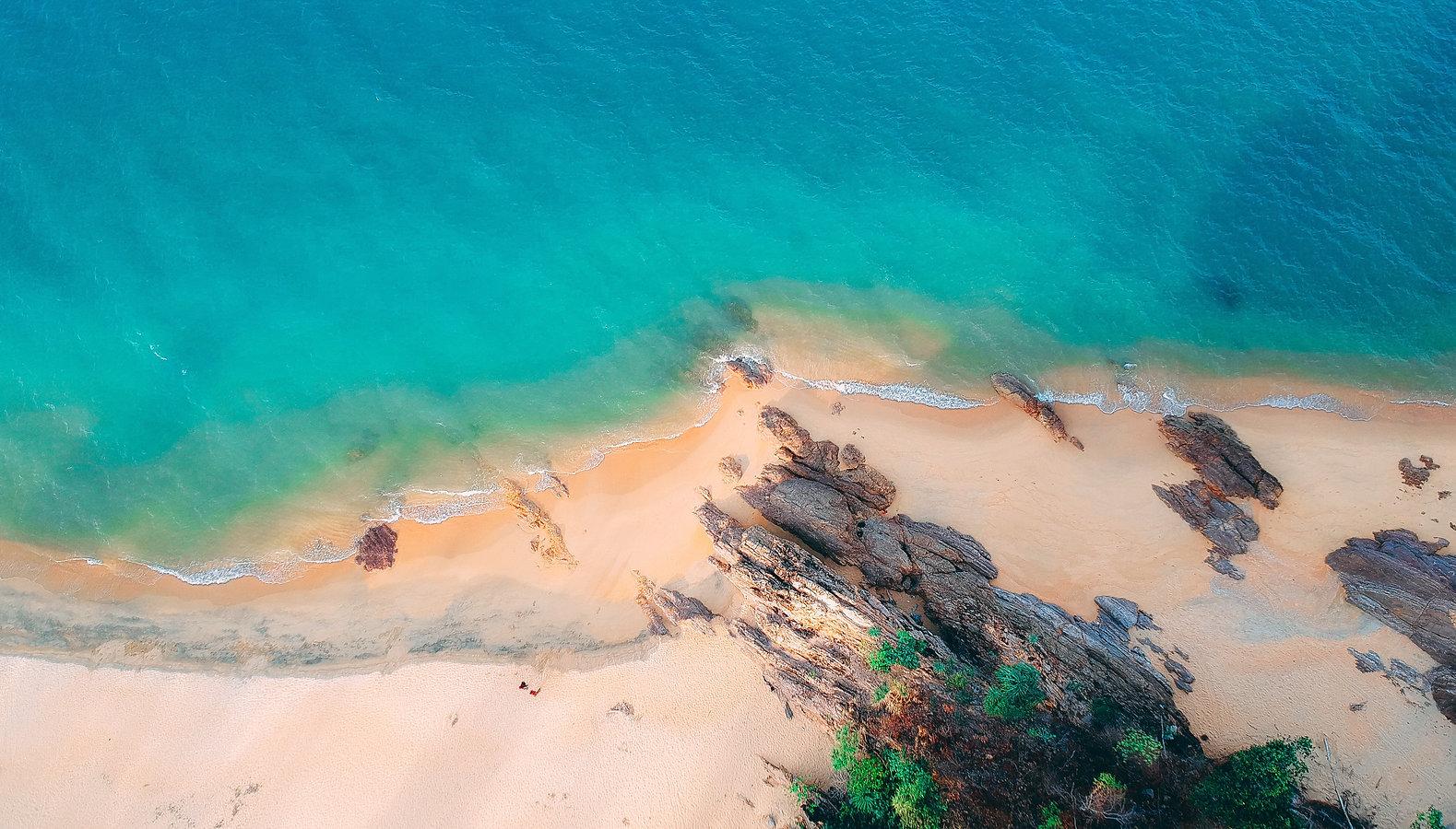 aerial-shot-bay-beach-2355321.jpg