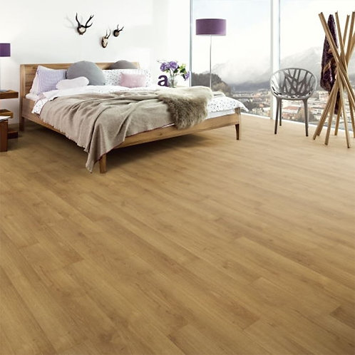EGGER Classic Oak Planked Honey 7mm EPL020 £10 Per m²