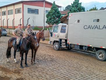 Esquadrão de Policiamento Montado da Polícia Militar de Lages, esteve em Campo Belo do Sul.