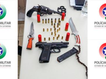 """Suposto """"sequestro"""" resulta em apreensão de armas e munições em Cerro Negro"""