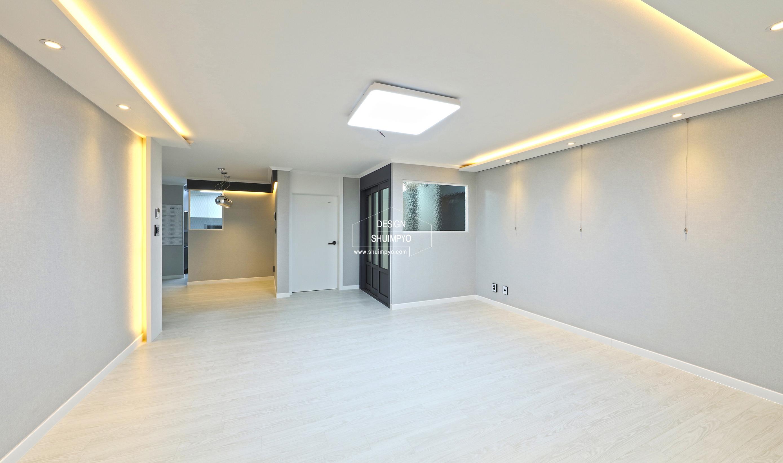 세종아파트 33평 거실
