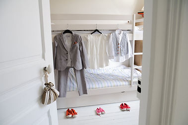 les vêtements des enfants sont prets pour le mariage au Touquet