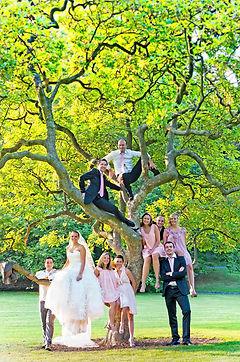 magnifique photo de mariage avec un côté nature et une belle l