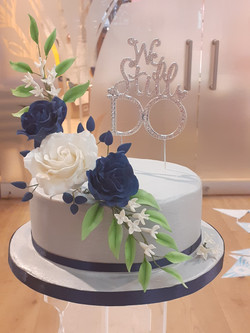 Silver wedding cake 1