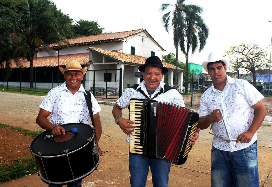 1_Trio_Flor_de_Mussambe_foto_Zé_da_Lua_.