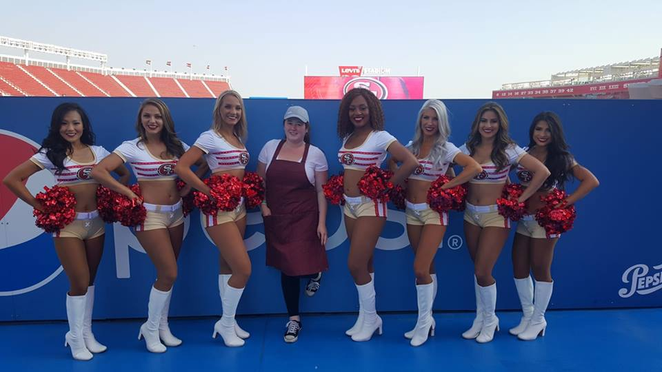 Kirsten and the 49ers cheer squad