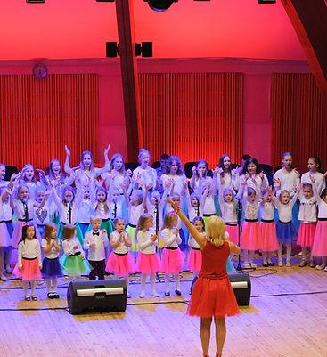 Taisi Laululapsed Estonia kammersaalis
