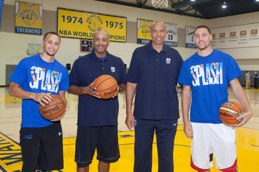 Steph Curry, Del Curry, Mychal Thompson and Klay Thompson