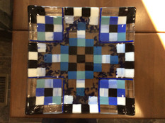 Plate with squares