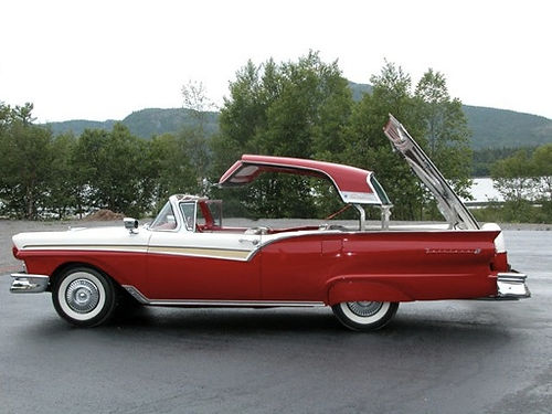'57-Ford-Retractable-Side-View-with-top-