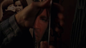 Eric Roberts as Walter Pool in La Cucaracha