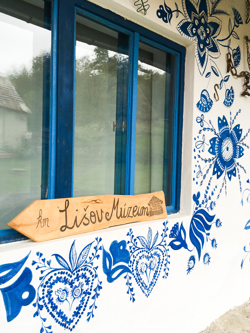 wall painting and Lisov museum made signage