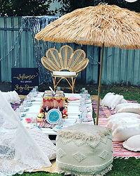 Boho picnics are on trend! Who has a bir