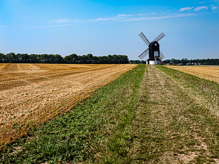 Midday photograph of Pitstone Windmill