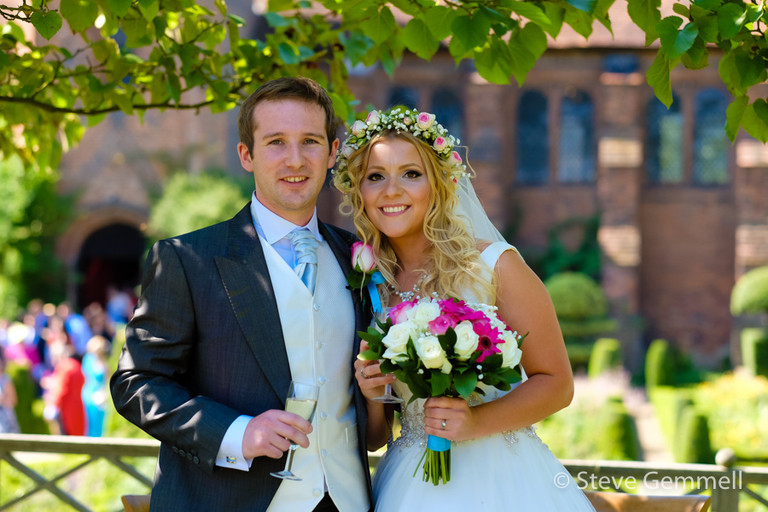 sunny afternoon wedding by Hatfield House Wedding Photographer Steve Gemmell