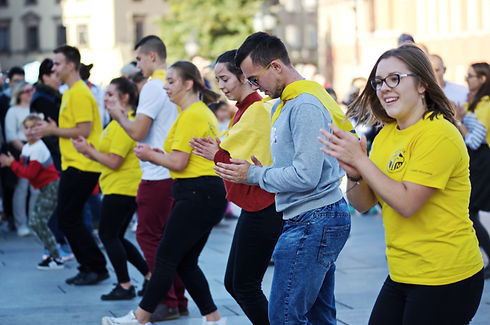 group-of-people-wearing-yellow-shirt-dan