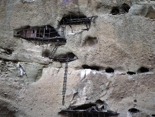 Old Sketes in Meteora Holes