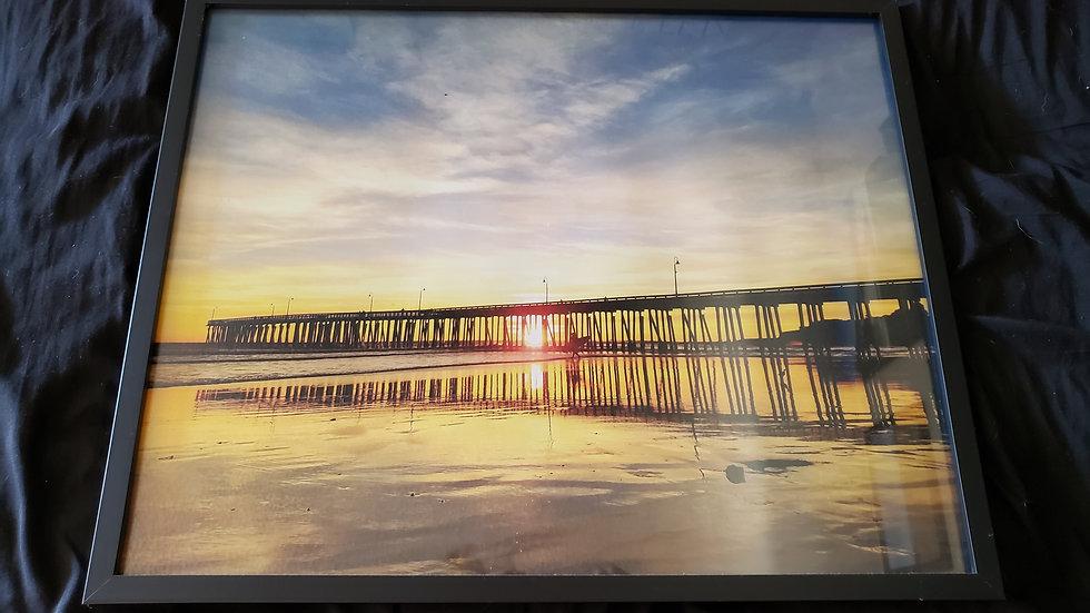 16 * 20 Framed Pic of Pismo Beach Sunset