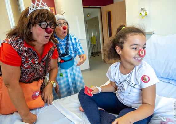 Les clowns du Rire Médecin en action !