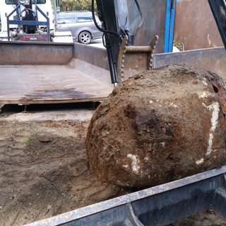 EXCAVATING SERVICES,ROCK,STONE,DESPOSAL BACKYARD, RATES,NORTH VANCOUVER, NORTH SHORE, STONE EXCAVATING, LANDSCAPING