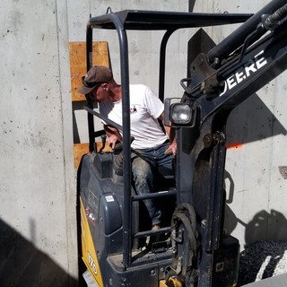 EXCAVATING SERVICES,BACKYARD, RATES,NORTH VANCOUVER, NORTH SHORE, STONE EXCAVATING, LANDSCAPING,MIKE ERICKSON